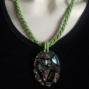🎁🎁Handmade green beaded marble necklace